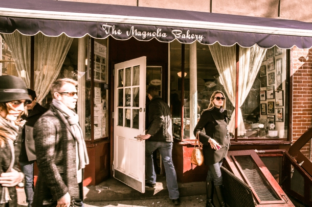 Magnolia_Bakery,_401_Bleecker_Street,_New_York,_NY_10014,_USA_-_Jan_2013_O